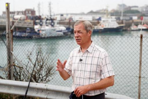 L'europhobe Nigel Farage transforme son Parti du Brexit en un parti anticonfinement