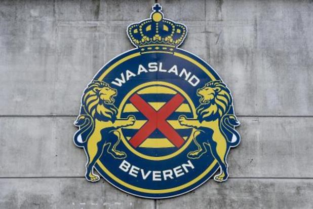 Fan van Waasland-Beveren loopt derdegraads brandwonden op door pyro: boete van 3.000 euro