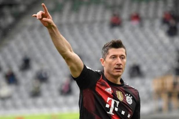Bundesliga: Lewandowski evenaart doelpuntenrecord van Gerd Müller
