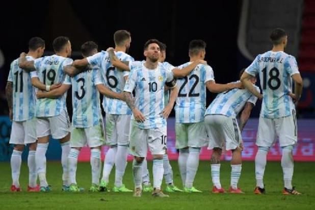 Argentinië rekent na strafschoppen af met Colombia in Copa America, in finale kraker tegen Brazilië