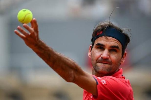 Roger Federer stoot door naar derde ronde Roland Garros
