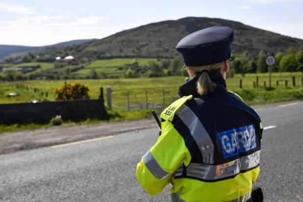 Irlande du Nord: une bombe découverte sous la voiture d'une policière