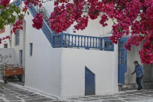 Griekenland legt COVID-19-regels op aan 2 toeristische regio's waar infecties stijgen
