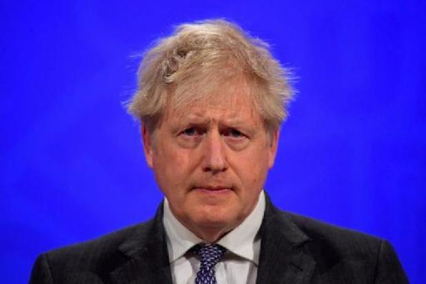 Boris Johnson salue le retrait des clubs anglais