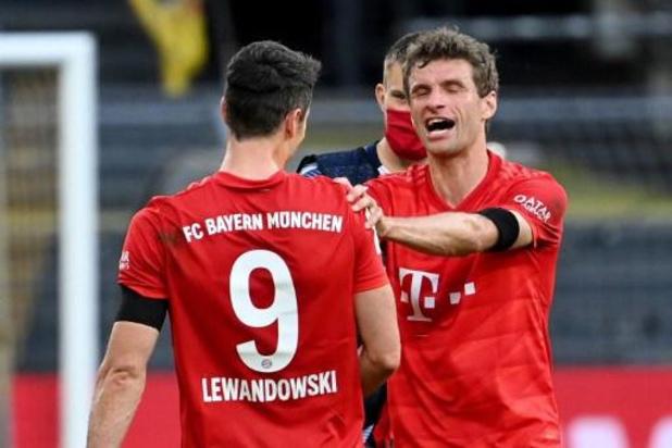 Bundesliga - Lewandowski evenaart zijn record met 43e goal, ook Müller op recordjacht
