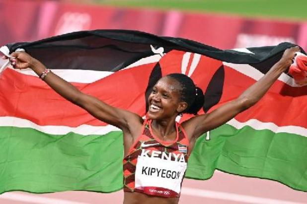 Faith Kipyegon garde son titre sur 1500 m, pas de triplé pour Sifan Hassan, 3e