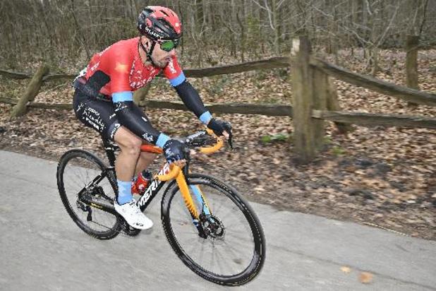 Colbrelli sprint naar zege in tweede etappe, Dennis blijft leider