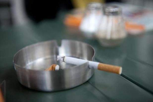 Vier op de tien rokers roken meer sinds begin lockdownmaatregelen