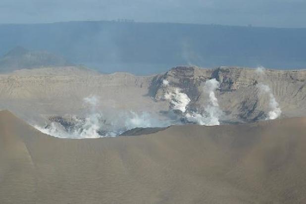 Philippines: le volcan Taal est entré en éruption