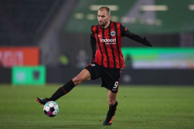 L'attaquant néerlandais de Francfort, Bas Dost a signé au Club de Bruges