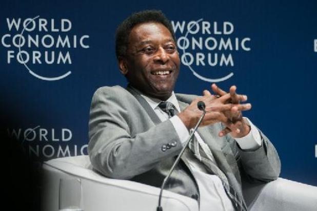 Artsen hebben bij Pelé tumor in dikke darm verwijderd