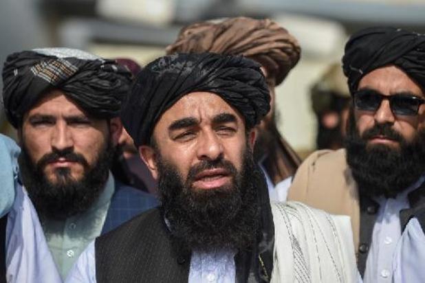 Les talibans fêtent leur victoire après le départ des Américains