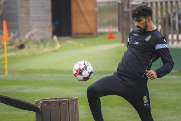 Twee spelers van Sporting Charleroi testen positief