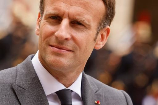 """Emmanuel Macron condamne """"fermement"""" les tirs revendiqués par le Hamas"""