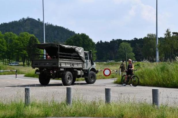 Affaire Jürgen Conings: les premiers militaires de retour au stade du KRC Genk