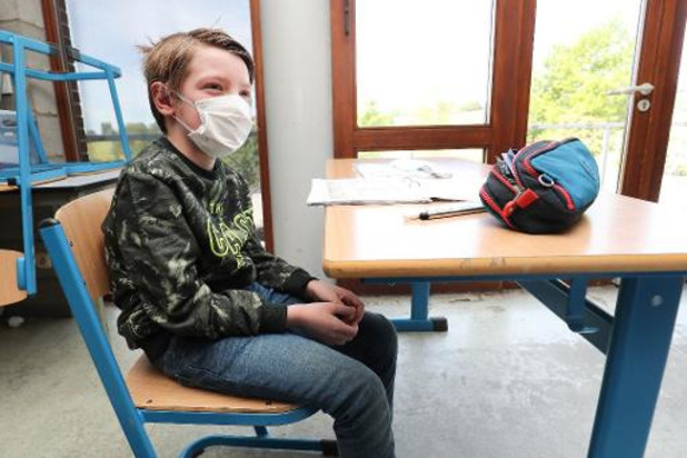 Le variant britannique est-il plus contagieux chez les jeunes?