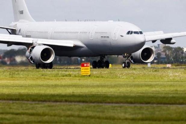 Vliegtuig met 150 geëvacueerden onderweg naar Schiphol