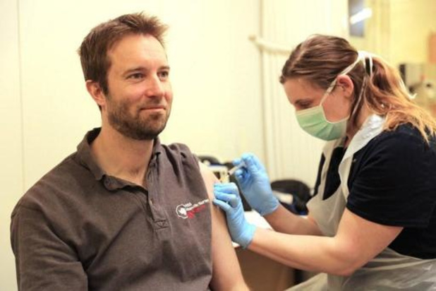 Les médecins spécialistes demandent une troisième dose de vaccin pour les soignants