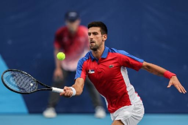 Novak Djokovic op een drafje naar achtste finales