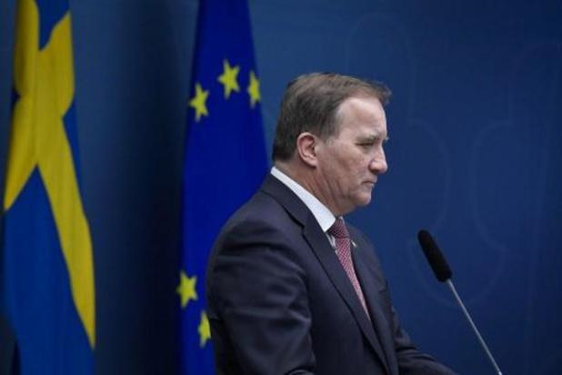 Zweedse premier haalt voorpagina met trip naar winkelcentrum tegen advies regering in