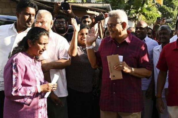 Présidentielle au Sri Lanka: Rajapaksa en tête des premiers décomptes