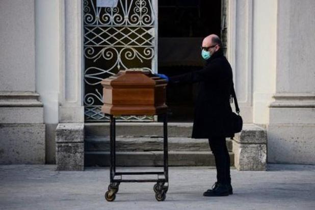 Italie: l'armée en renfort pour transporter les morts
