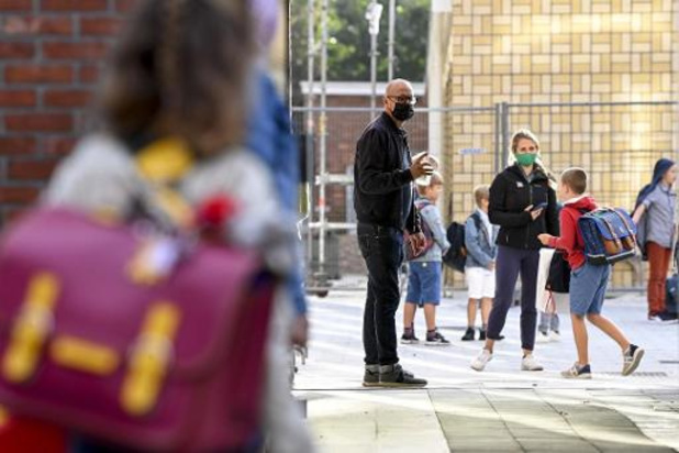 CLB's tevreden met beslissing, aantal besmettingen in scholen neemt toe
