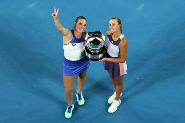 Kristina Mladenovic et Timea Babos remportent le double dames à l'Open d'Australie