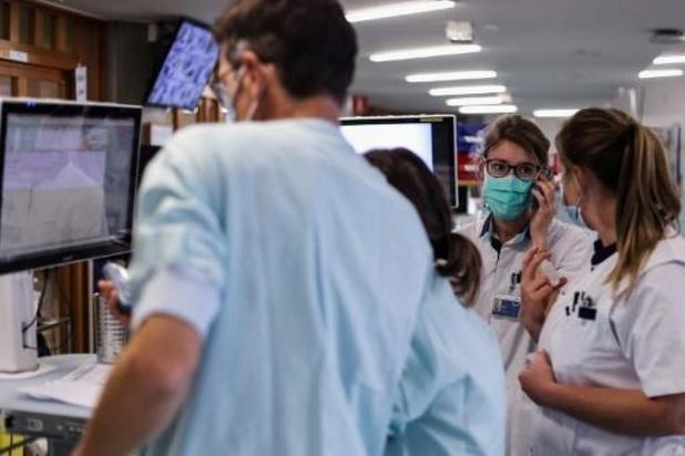 Le personnel hospitalier a 3 fois plus de risques d'être hospitalisé pour covid