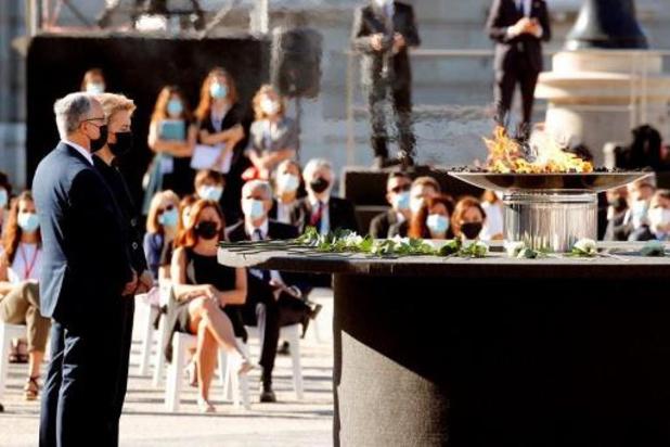 L'Espagne rend hommage aux victimes de la pandémie
