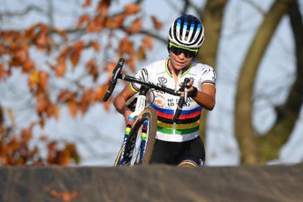 Wereldkampioene Ceylin del Carmen Alvarado pakt Europese titel veldrijden