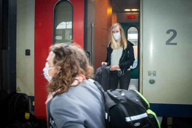 TreinTramBus tegen reservatie voor treinen naar de kust