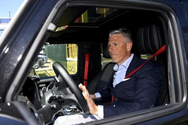 Michaël Verschueren koopt de aandelen van Van Damme en Van Biesbroeck binnen Anderlecht