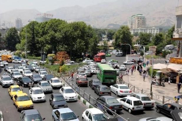 Iran rantsoeneert benzine