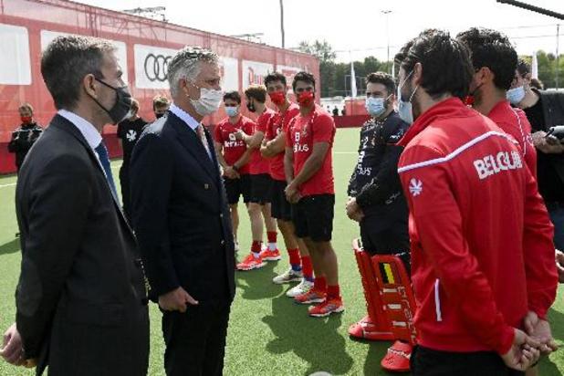 Les Red Lions reçoivent les encouragements du Roi avant l'Euro