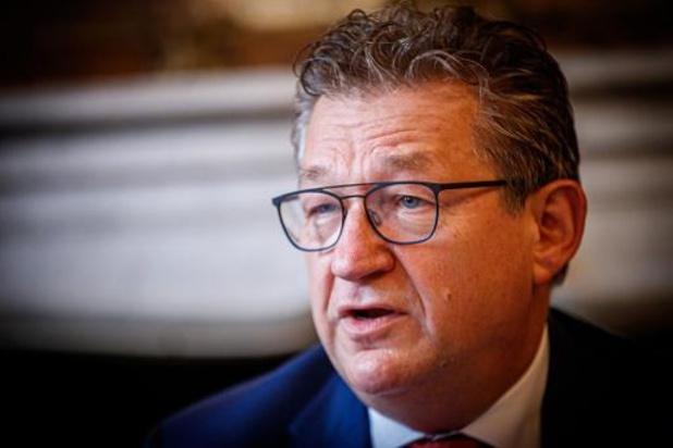 Bourgmestre de Bruges poignardé - Dirk De fauw espère reprendre le travail le plus vite possible