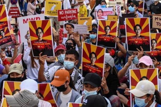 Internet voor derde nacht vrijwel volledig afgesloten in Myanmar