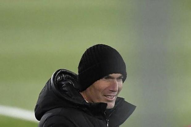 Zidane, testé négatif, sur le banc du Real samedi à Pampelune