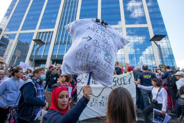 Politie ontbindt manifestatie tegen coronamaatregelen in Brussel