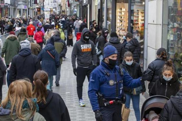 NSZ tevreden met goede verloop van eerste koopzaterdag, pleit voor winkelen met twee
