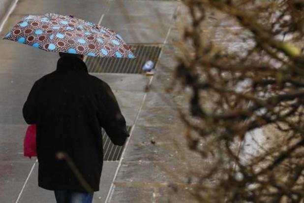 La douceur en maigre consolation d'un temps nuageux, pluvieux et venteux
