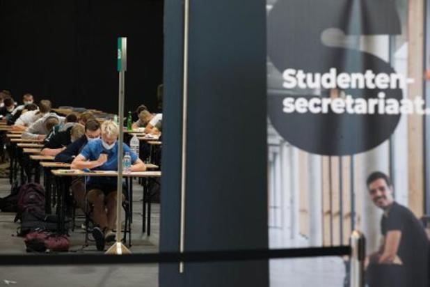 Parlementscommissie wil dat studenten corona kunnen inroepen als overmacht - na de tweede zit