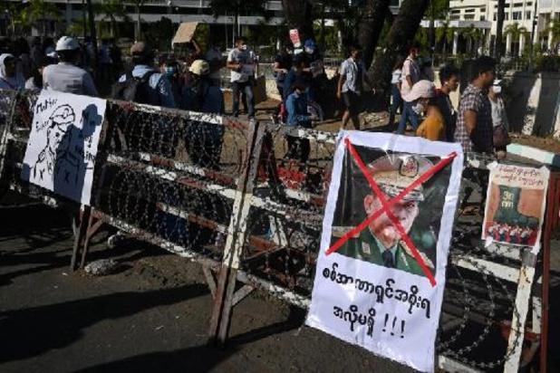 Birmanie: les forces de sécurité ouvrent le feu, un étudiant blessé