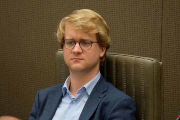 Verhoog vergoeding voor leden in stem- en telbureaus naar 50 euro