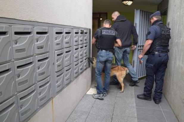 Arrestaties en wapenvondsten na rellen in Dijon