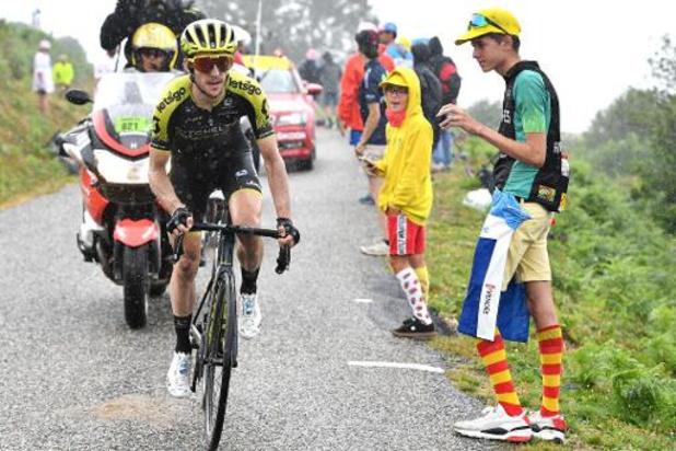 Vainqueur en solitaire, Simon Yates fait coup double dans la 5e étape de Tirreno-Adriatico à Sassotetto