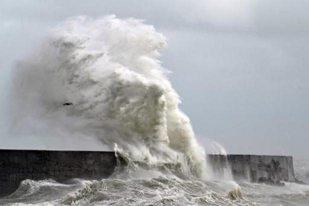 Stevige buien met kans op onweer