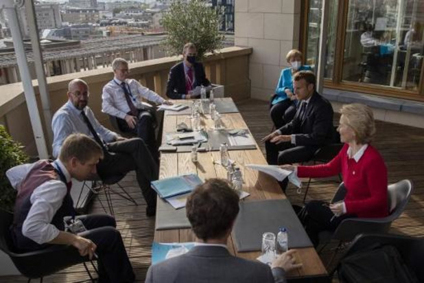 """Sommet européen - Les négociations se poursuivent, """"compliquées"""" ou allant """"dans le bon sens"""" selon les avis"""