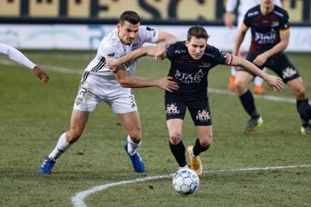 Jupiler Pro League - Eupen arrache le partage en fin de match face à Ostende