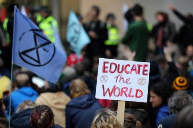 Climat: levée du blocage d'Extinction Rebellion devant l'Assemblée nationale à Paris